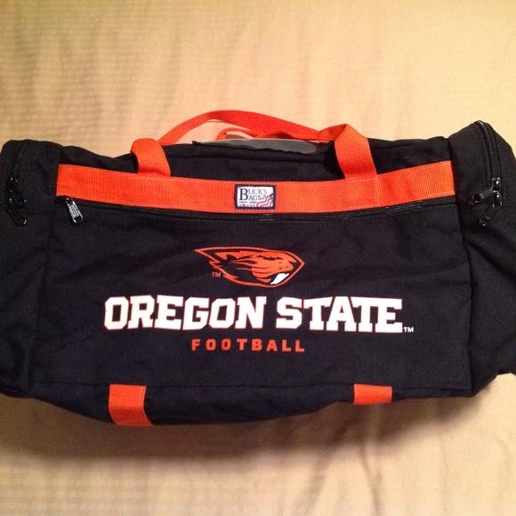 45aa2d880a Bucks Bags Other - Oregon Beavers Football Large Duffle Bag EUC